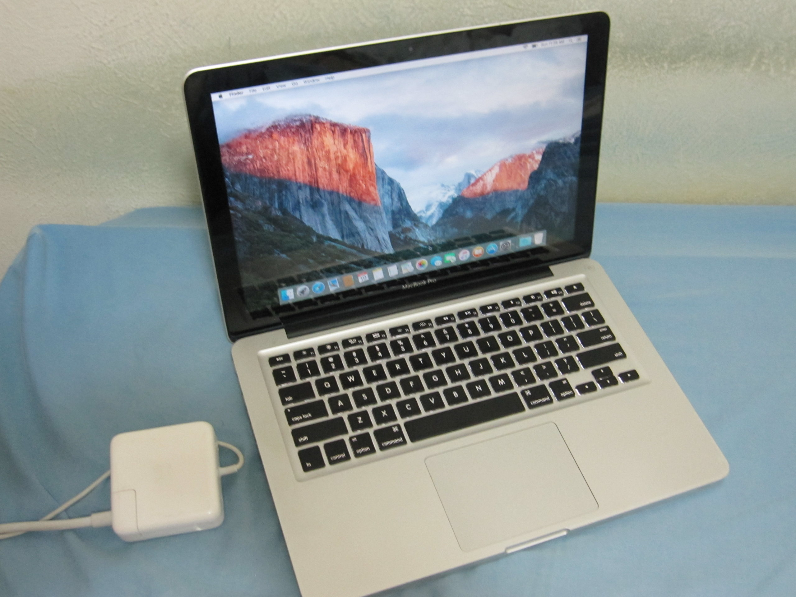 Apple-MacBook-Pro-Core-i5-2.5-13-Mid-2012-004